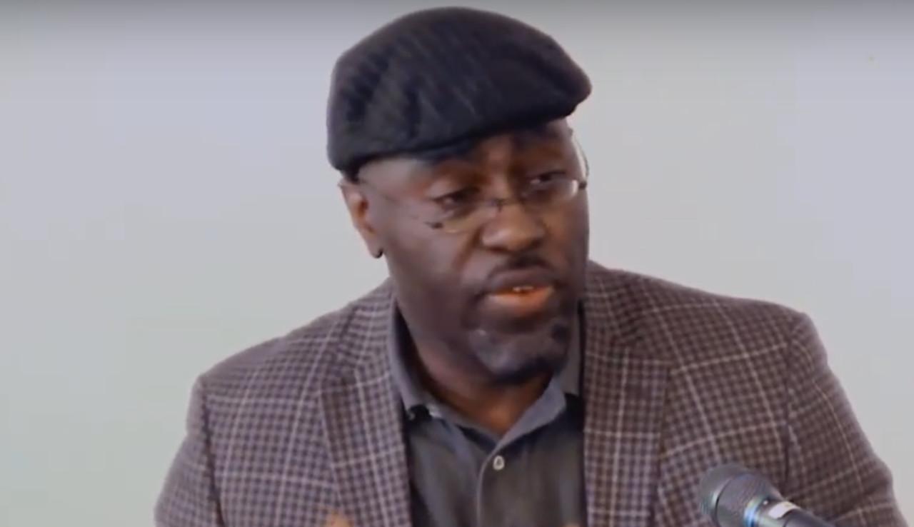 """New Yorki koolidirektor soovitab valgetele lastevanematele """"valgeks olemise hülgamist"""""""