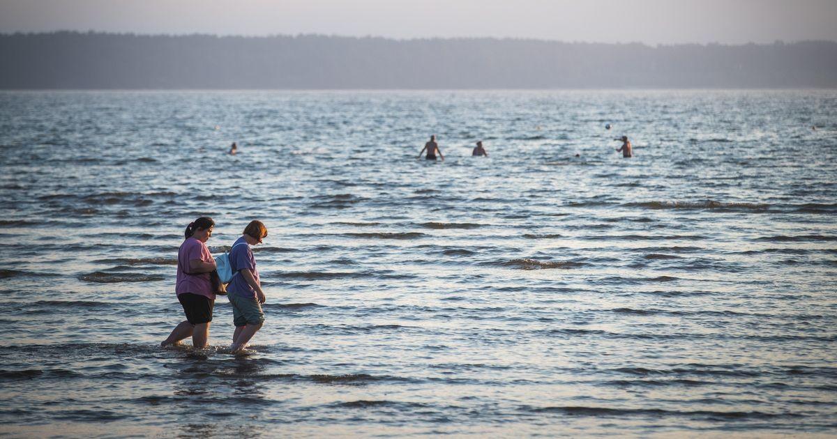 Stroomi rannas lehvib reostust märgistav lipp