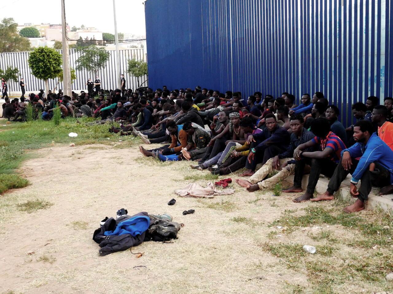 Agressiivne migratsioon: Hispaania Melilla enklaavi tungis 238 migranti, kõik mehed