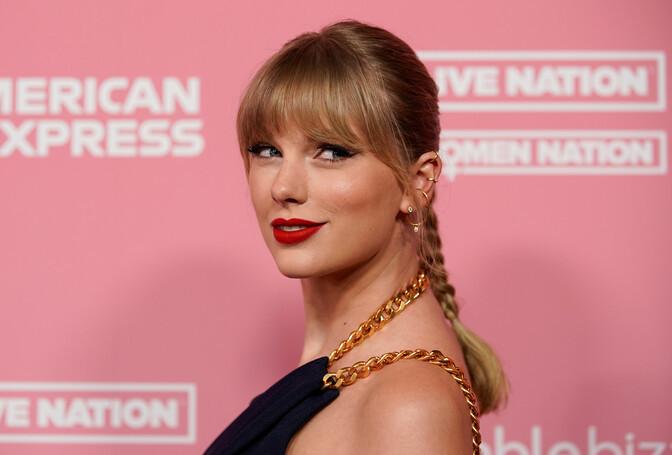 """Taylor Swift avaldas albumi """"Fearless"""" uusversiooni"""