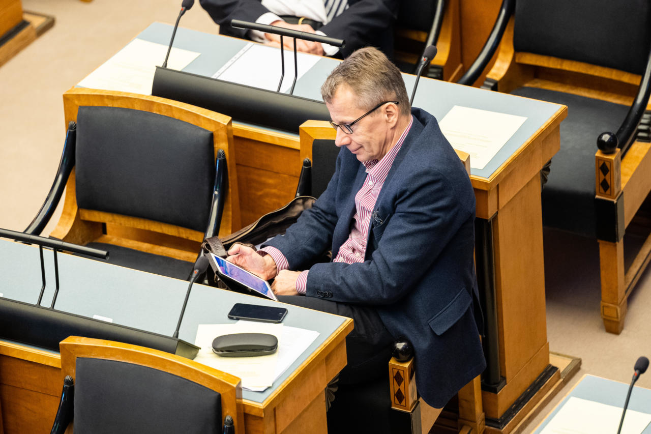 Rahapesuministril Jürgen Ligil jagub jultumust praegust rahandusministrit süüdistada