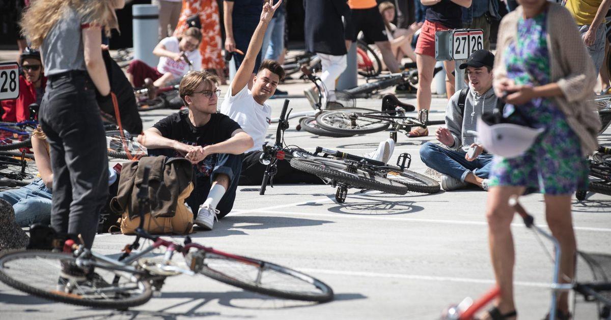 Jalgratturid jäid hüüdjaks hääleks superministeeriumi parklas