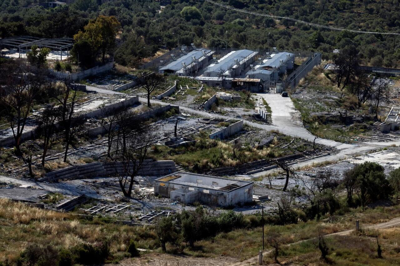 Neli noort afgaani on Kreeka põgenikelaagri põlengu eest kohtu all