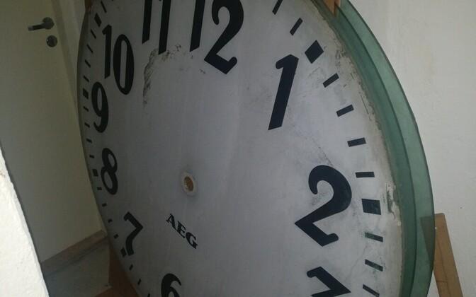 Viljandi raekoja kell-ajanäitaja sai kultuurimälestiseks