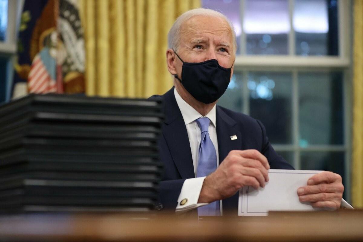 Rekordiline hulk tundmata päritolu annetusi aitas sillutada Joe Bideni teed Valgesse Majja