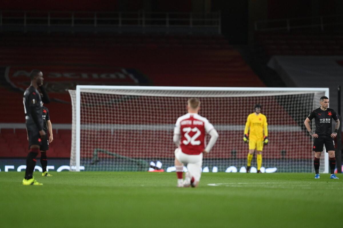 Tšehhi klubi mängijad keeldusid koos Arsenaliga rassismi vastu põlvitamast