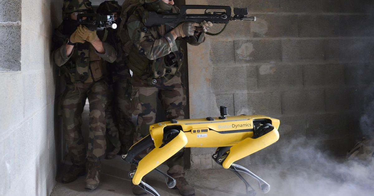 Prantsuse sõjavägi kaasas õppusele robotkoera, mille aku sai poole peal tühjaks