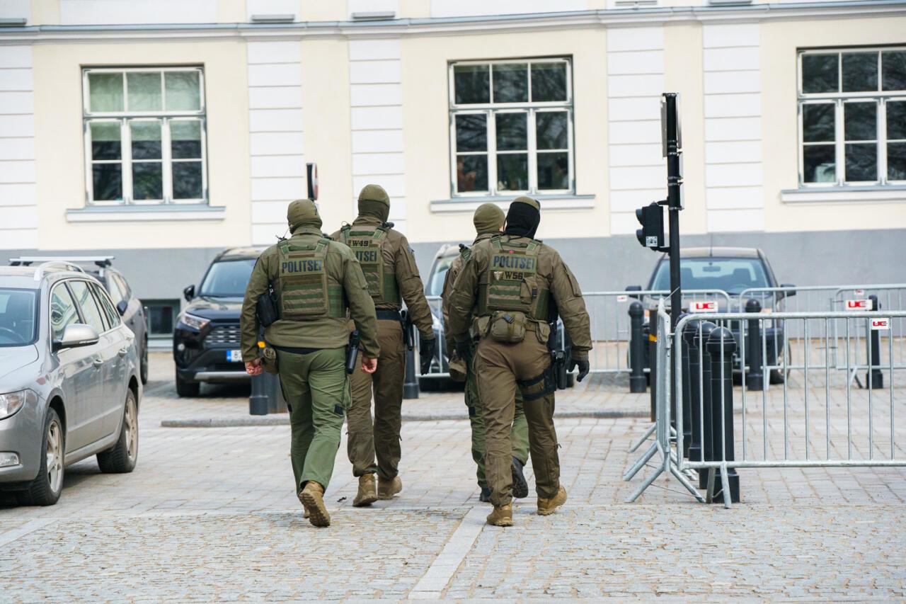 Valitsuskoalitsioon lükkas tagasi uurimiskomisjoni moodustamise politsei tegevuse kohta meeleavaldusel