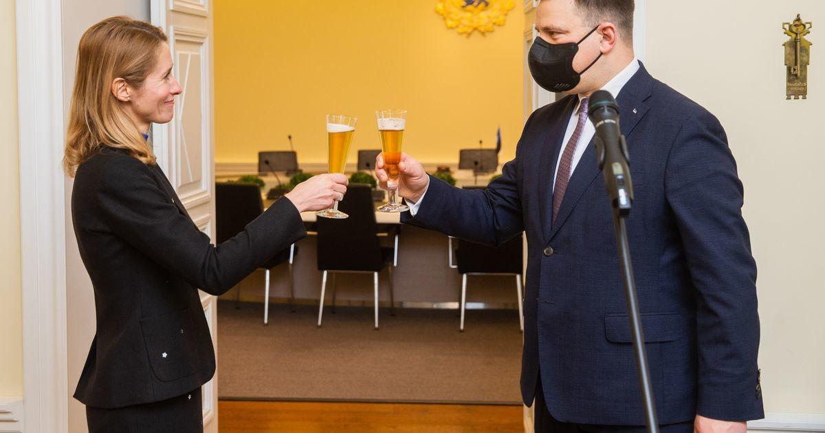 Kaja Kallas võttis peaministri ameti Jüri Rataselt üle