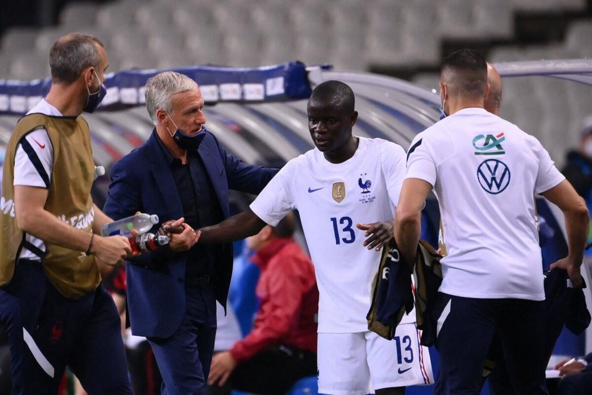 Prantsusmaa president jalgpallikoondise superstaarile: kas sul on endiselt kolm kopsu?