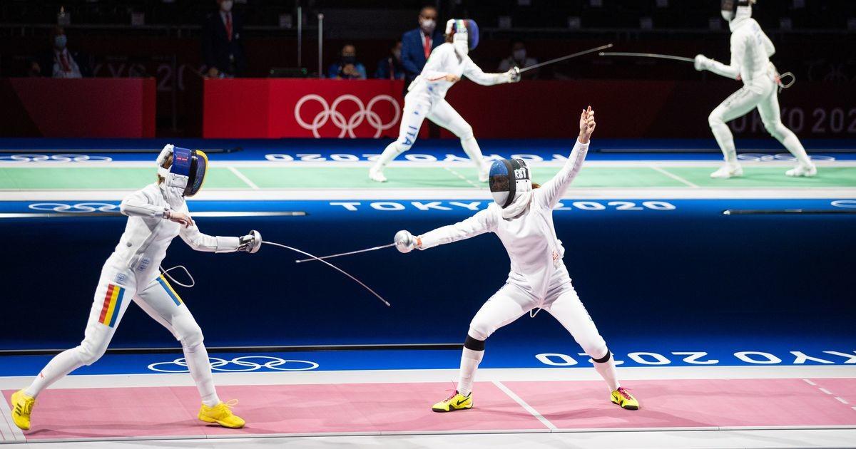 Eesti vehklejate ja olümpiakulla vahel seisavad korealannad