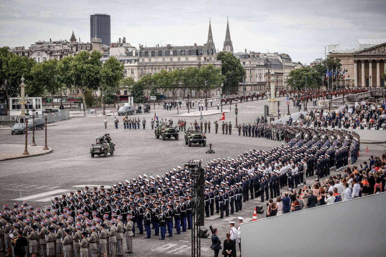Prantsusmaa sõjaväelased hoiatavad uues kirjas kodusõja eest: armee tagab oma riigi pinnal korra