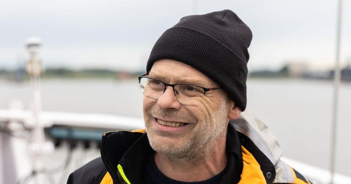 Tuuker: lähen Estoniale hukkunute lähedaste nimel