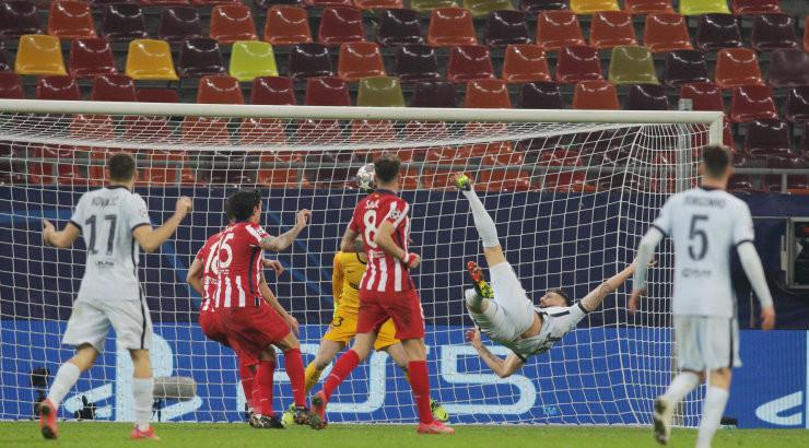 BLOGI | Meistrite liiga play-off: tiitlikaitsja Bayern purustas Lazio, Chelsea võitis Atleticot Giroud` iluväravast
