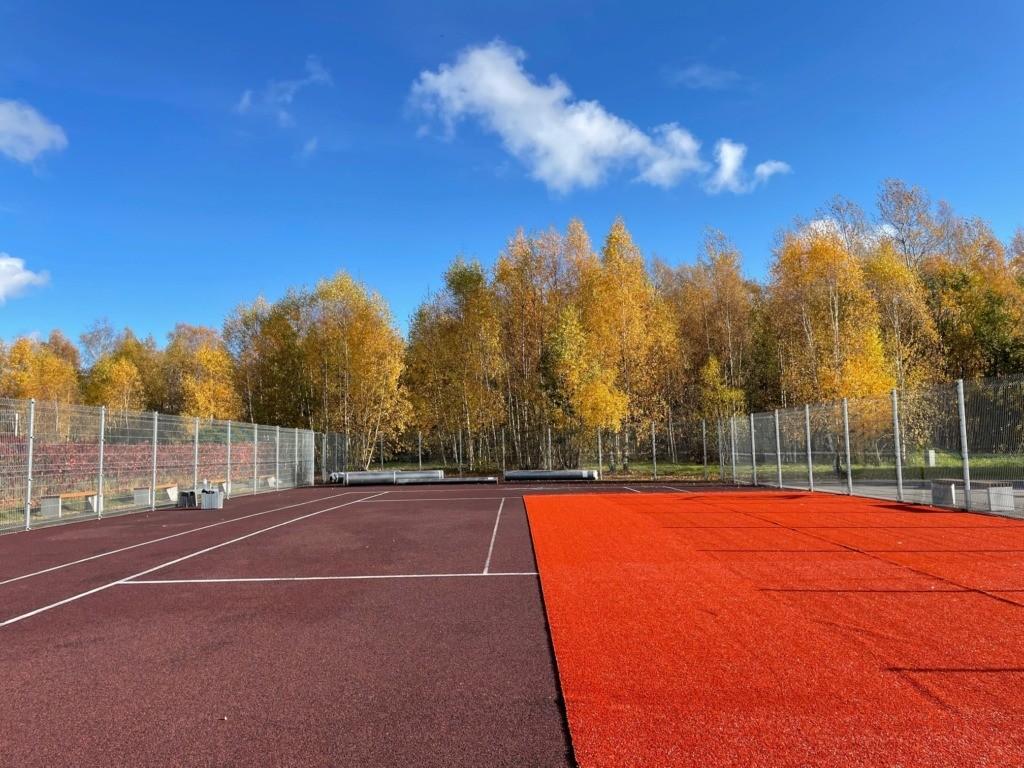 Haaberstis asuv avalik tenniseväljak saab uue ilme