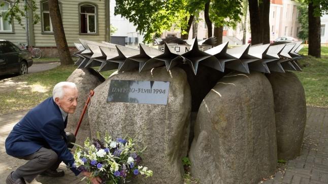 ÜHE PERE KÜÜDITAMISE LUGU: Isa lasti maha, seitse last saadeti Siberisse surema