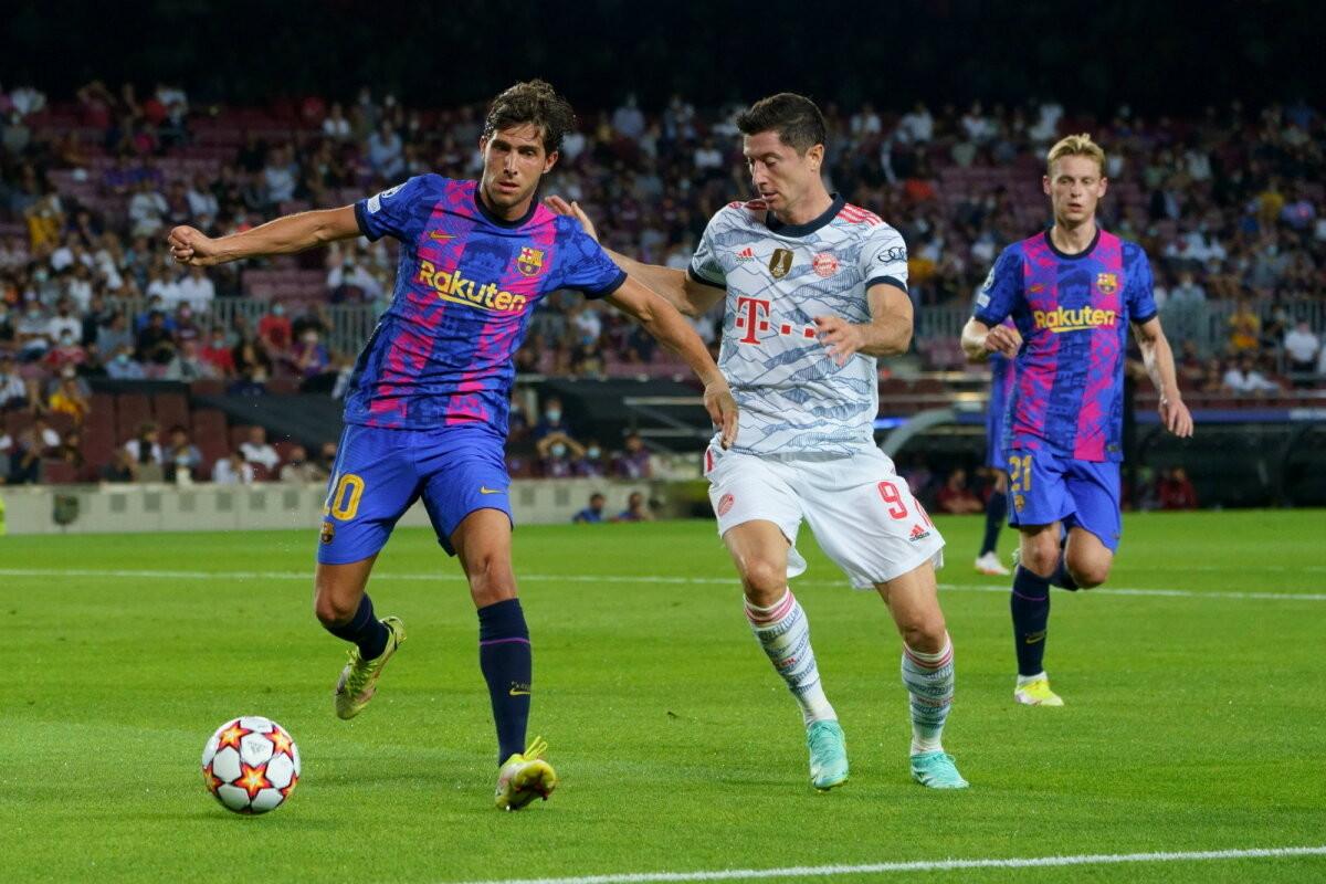 Barcelona jalgpallur kritiseeris meeskonna poolehoidjaid