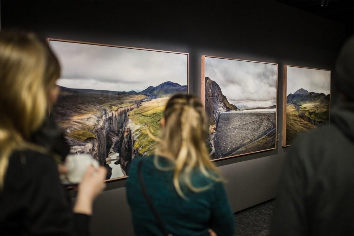 FOTOD | Fotografiskas avati näitus inimese ja looduse keerukast suhtest