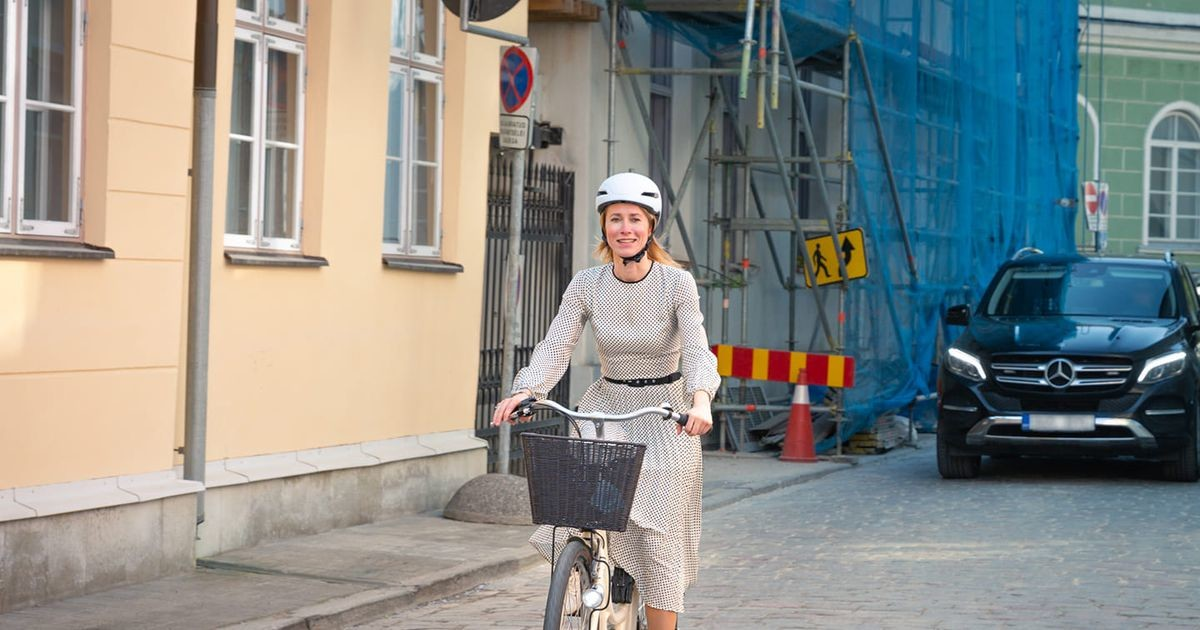 Kallas sõitis peaministrina esimest korda rattaga tööle