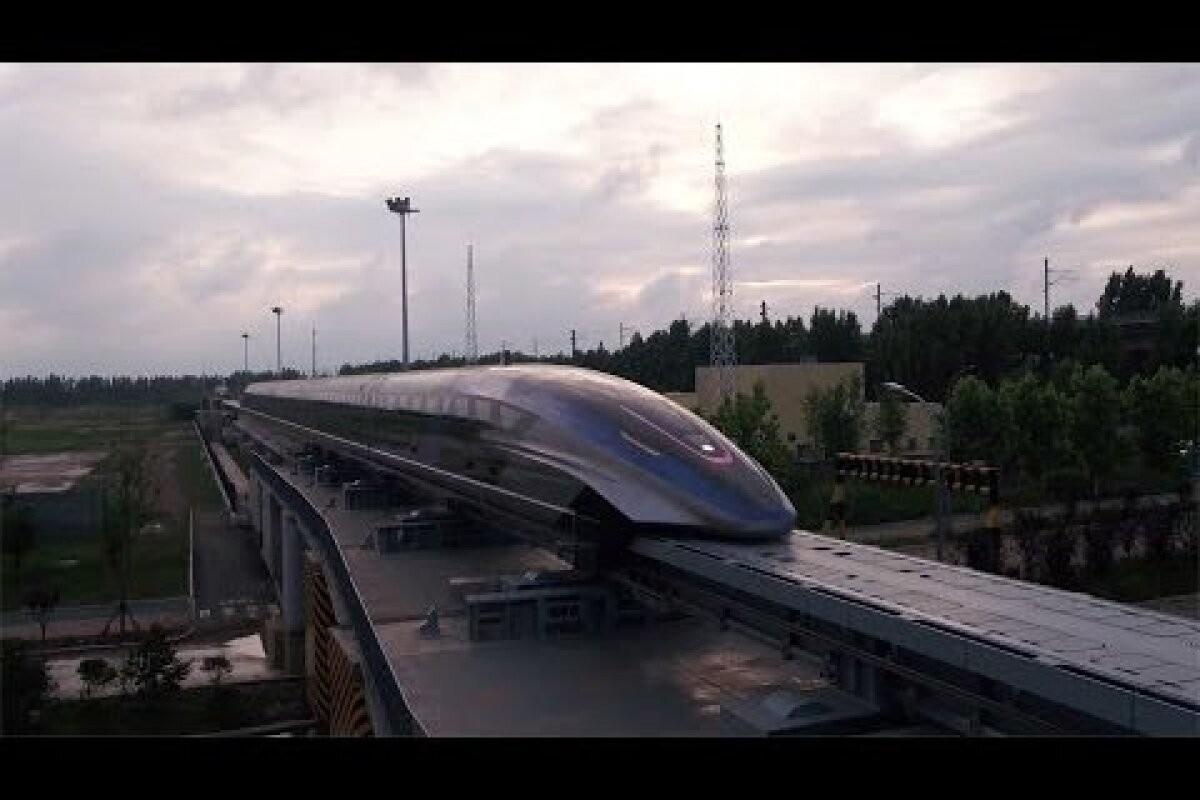 Maailma kiireim rong tegi Hiinas avasõidu