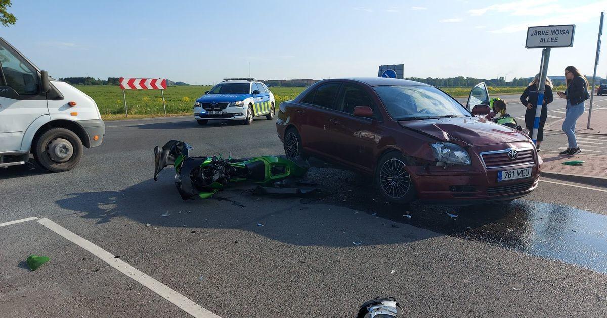 Kohtla-Järvel toimus liiklusõnnetus, üks inimene viidi haiglasse