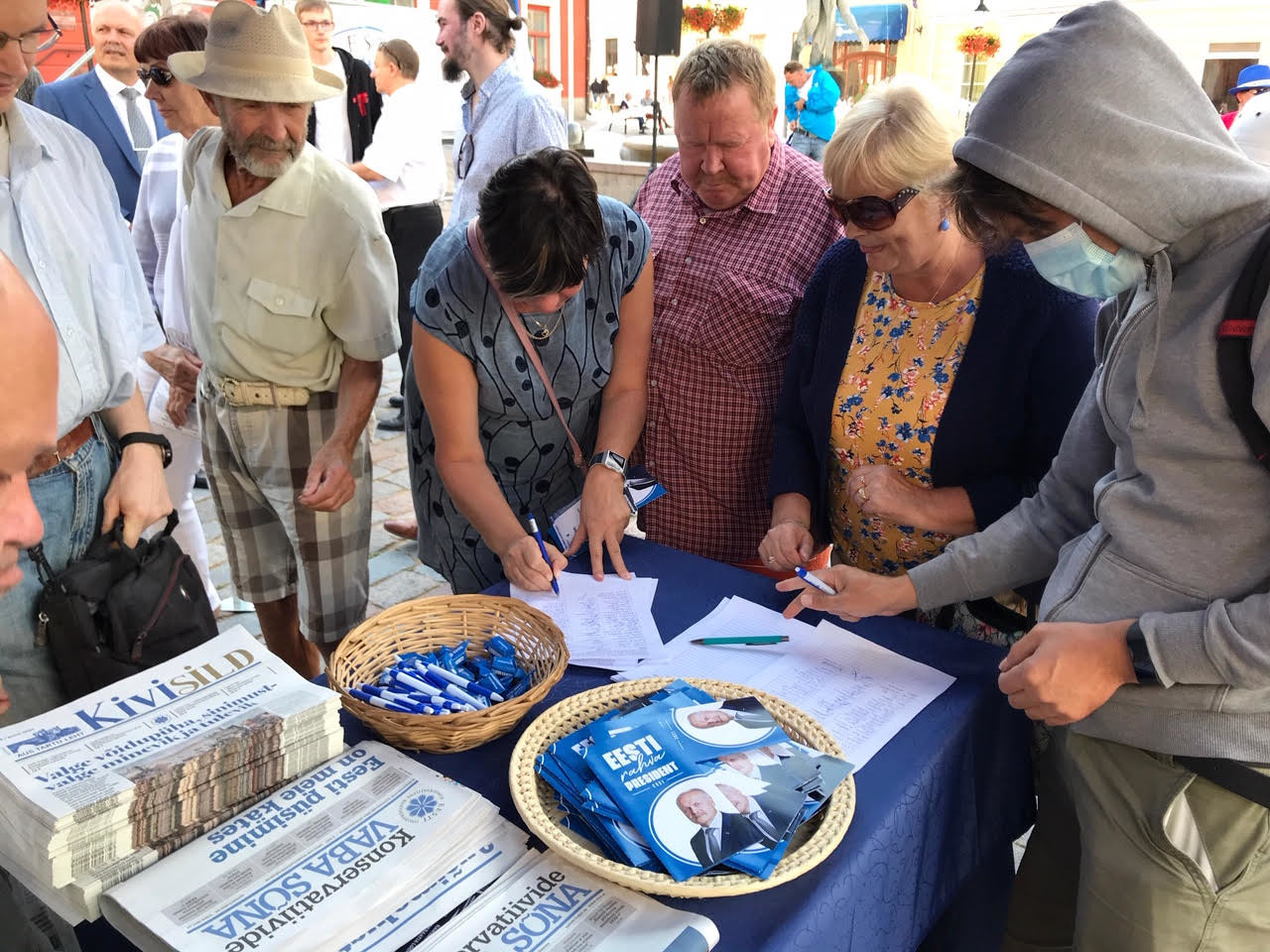 EKRE algatas petitsioonid presidendi otsevalimisteks ja Henn Põlluaasa toetuseks