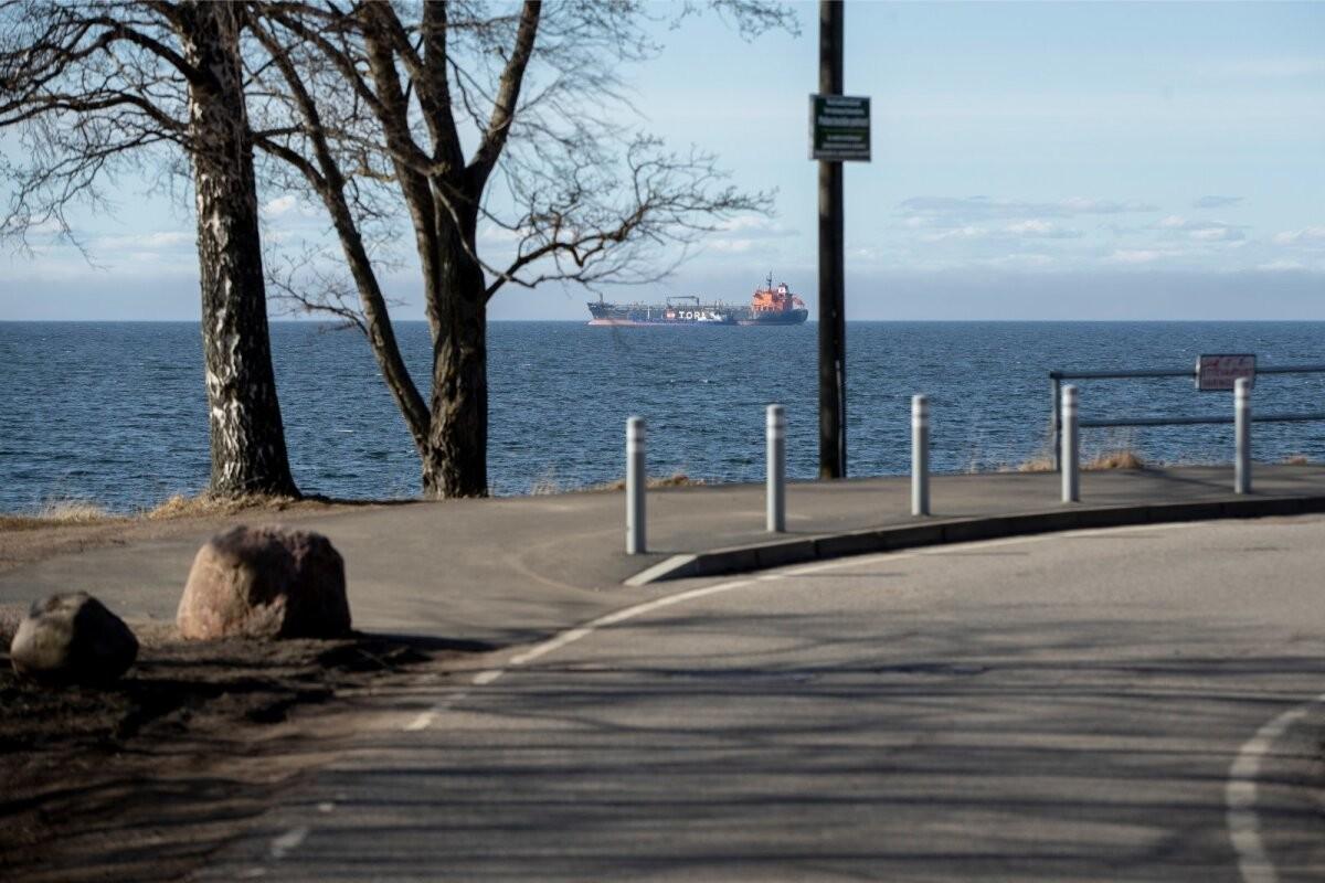 Kohalikud elanikud ja transiidifirmad nõuavad Tallinna lahel ohtliku naftaäri keelamist