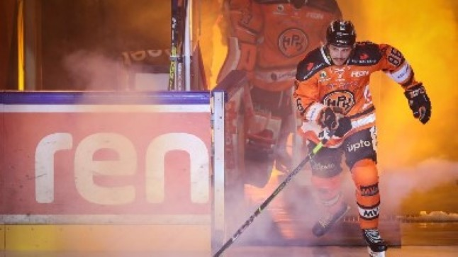 KÕVA SÕNA! Veel üks Eesti hokitäht sõlmis lepingu KHLi klubiga