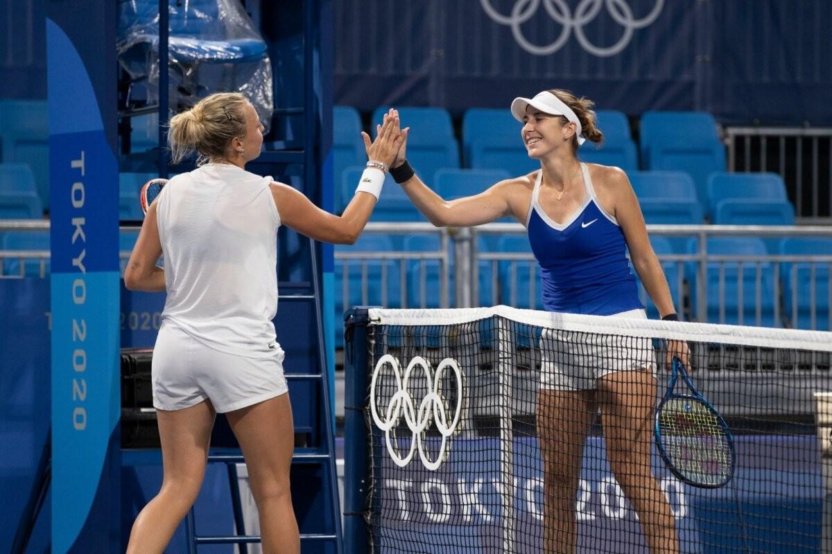 DELFI FOTOD TOKYOST   Kontaveit suutis treeningul Šveitsi tennisetähel korraks tuju ära võtta