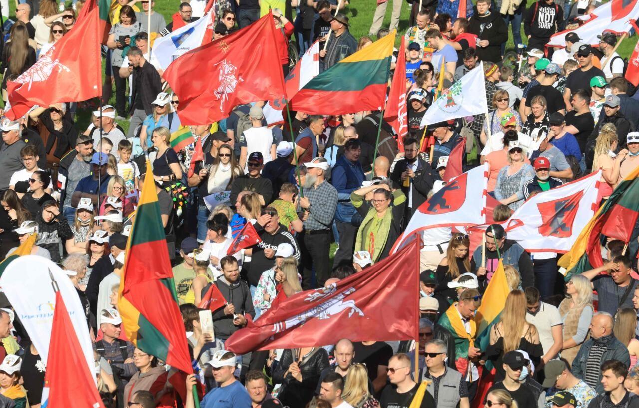 Vilniuses protestisid kümned tuhanded inimesed samasooliste kooselu seadustamise vastu