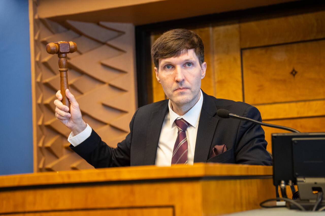 Martin Helme: Valitsuse Eestit kahjustav kirvetöö tuleb peatada