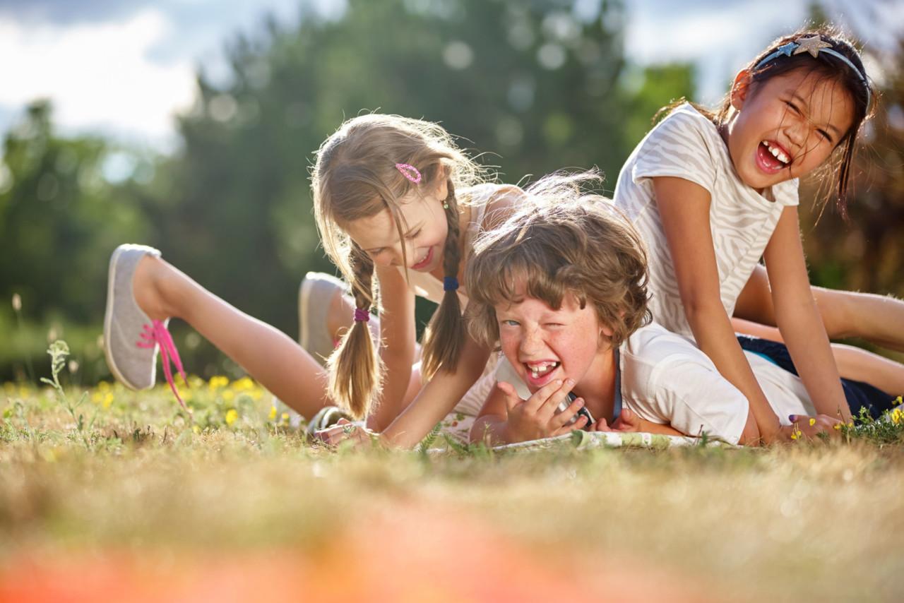 UURING PALJASTAS KARMI tõe laste väikese vanusevahe kohta