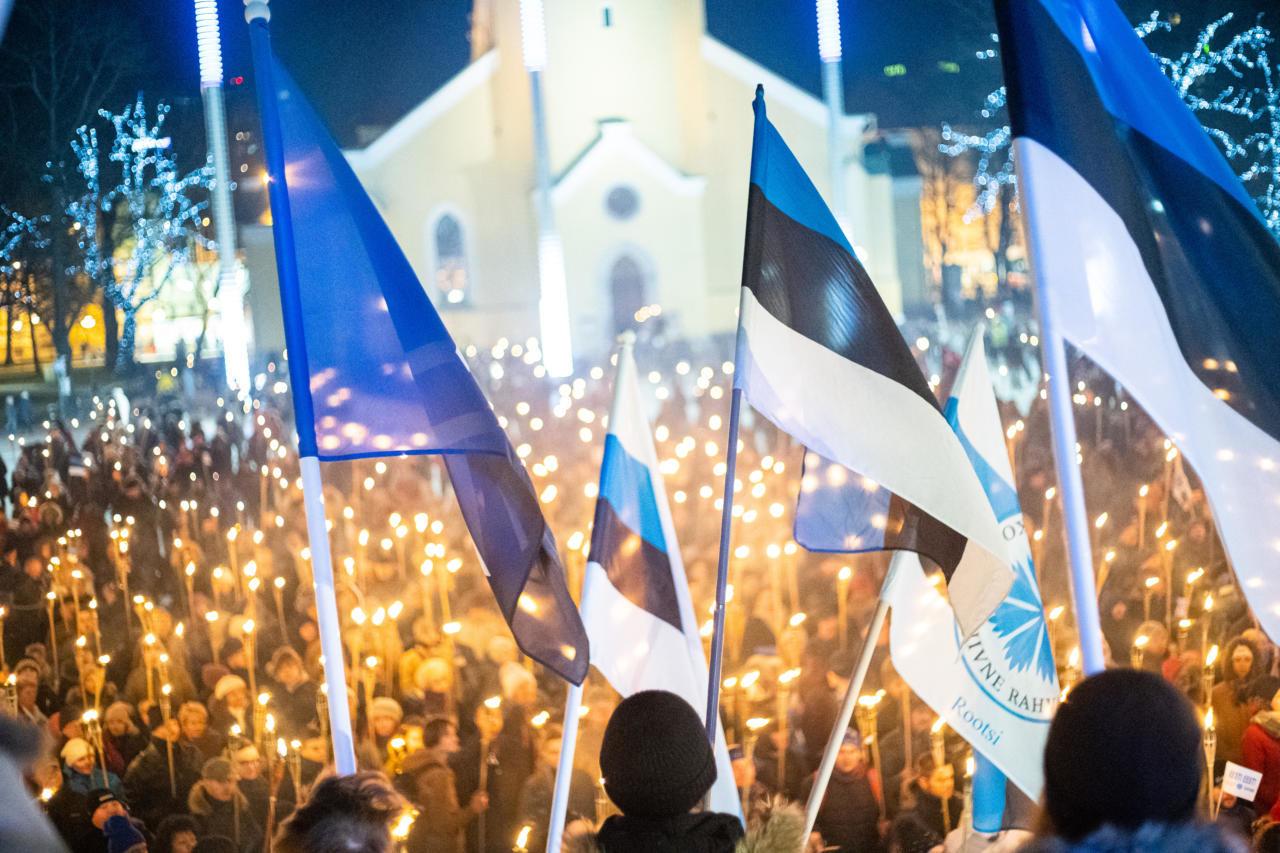 VAATA OTSE ALATES KELL 18.45: Vabariigi aastapäeva Tõrvikurongkäigu videoülekanne