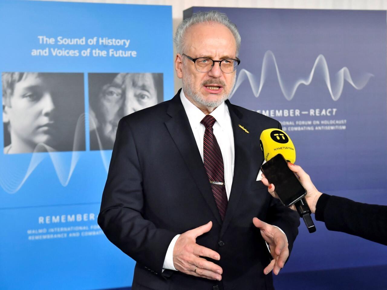 Läti vaktsineeritud president nakatus koroonaviirusega