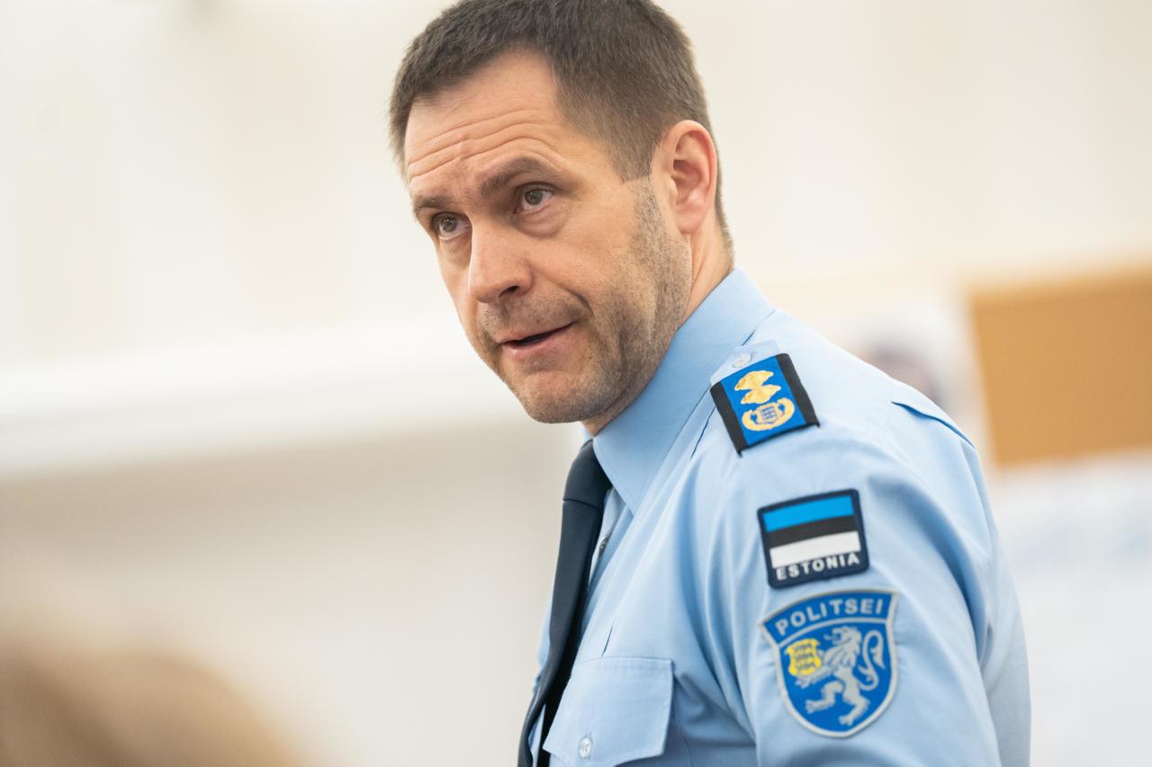 Tallinn annab valetavale politseijuhile teenetemärgi