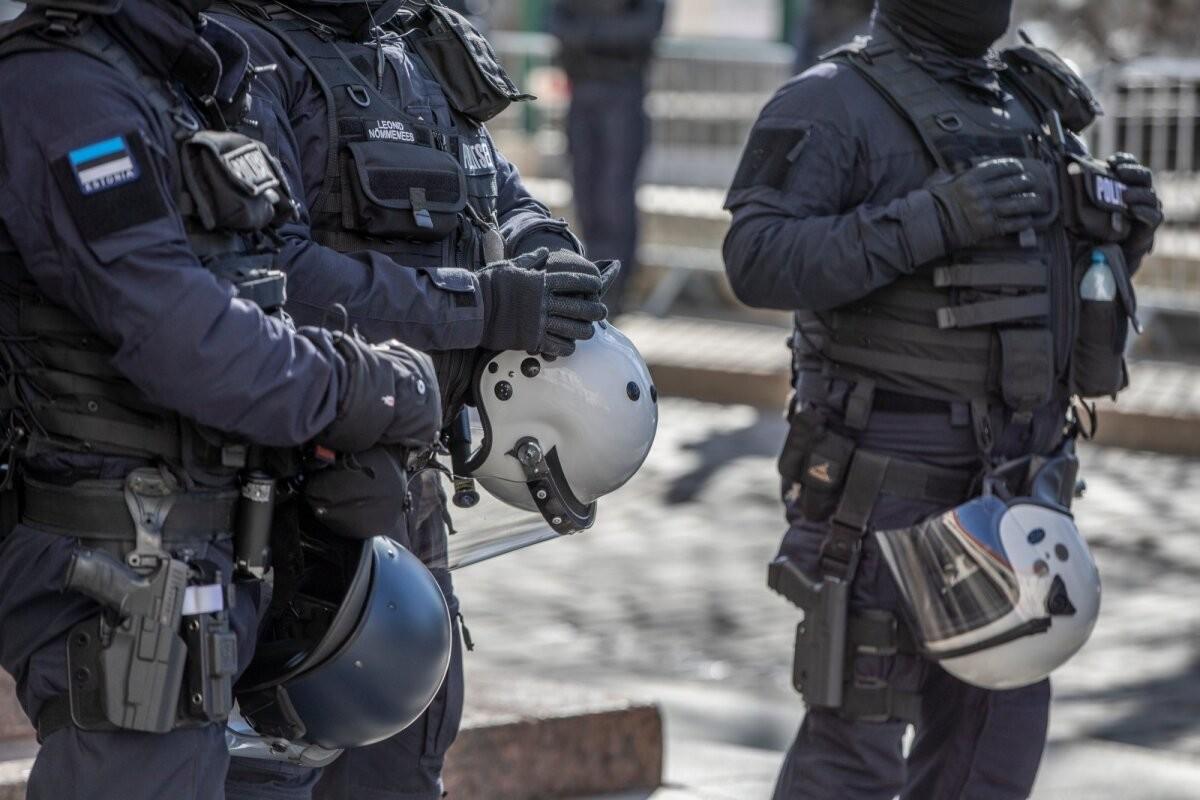 Mart Helme: valitsus saatis relvastatud märulipolitsei naiste ja laste vastu – politseiriik on kohal