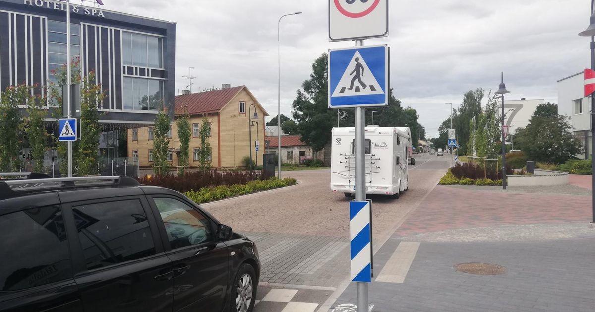 Aqva-esine ülekäigurada ajab nii autojuhid kui ka jalakäijad segadusse