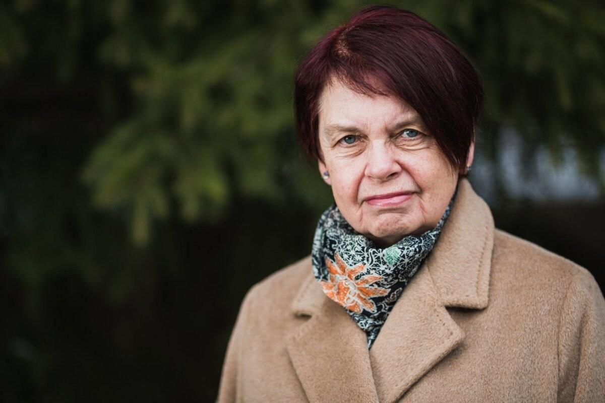 Irja Lutsar: AstraZeneca vaktsiini ei ole soovitatav trombiohu tõttu alla 60-aastastele süstida