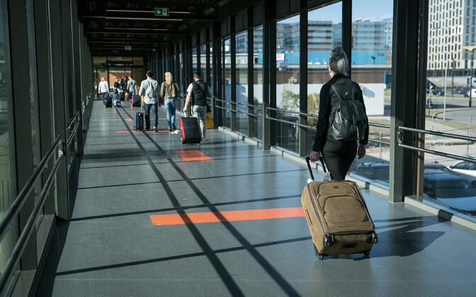 Esmaspäevast peavad Eestis oma liikumist piirama kümnest Euroopa riigist saabujad