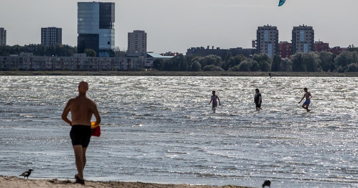 Stroomi rannas heisati taas lilla lipp, ujuda pole soovitatav