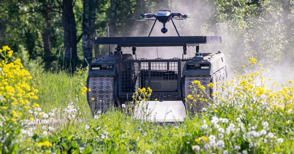 Milrem Robotics näitas mehitamata sõjamasinate tegutsemist