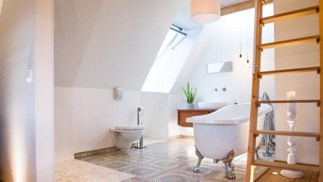 Eriti vingete valguslahendustega kodu, kust leiab nii ise tehtud, kui taaskasutatud valgusteid