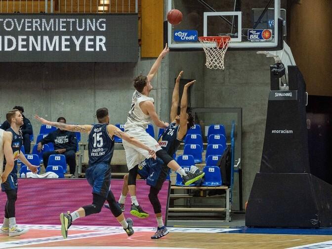 Hamburg võitis lõpusekundite korvist, Kotsarilt taas üle 20 punkti