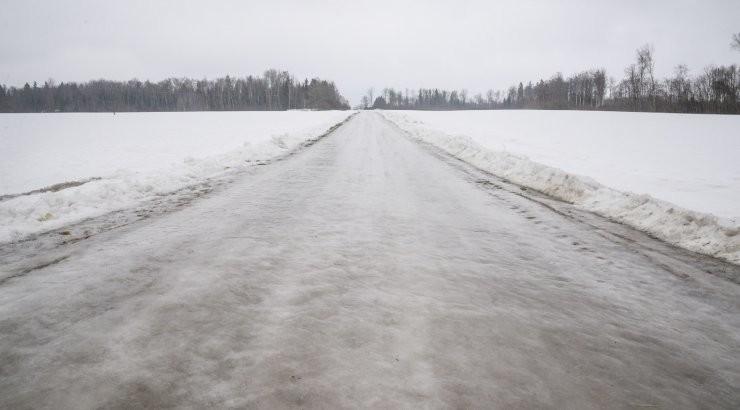 Pane tähele! Jäävihm on muutnud teed ohtlikult libedaks viies maakonnas