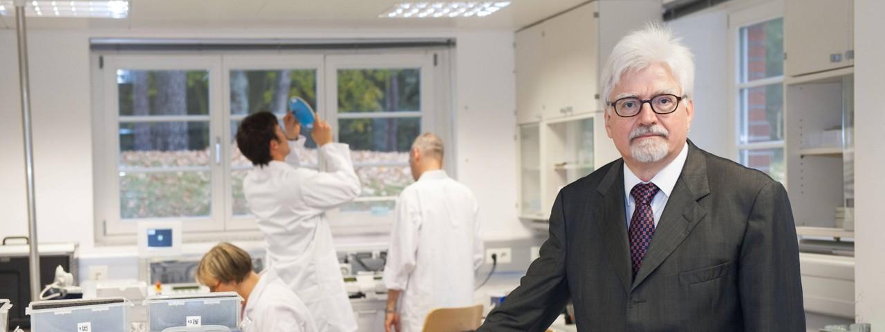 Miks vaigistatakse ohutu ja odava koroonavaktsiini välja töötanud Saksa arsti?