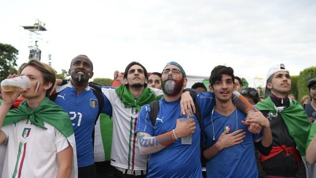 MUST PÄEVIK   Jalgpalli mitmekihilisusest – juhuslikkusel põhinev kaasaelamine vs. sügavalt isiklik tragöödia