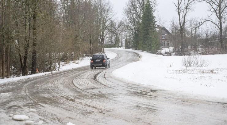 Jäised teeolud tõid üle Eesti kaasa mitu õnnetust: haiglasse toimetati ka 7-aastane tüdruk