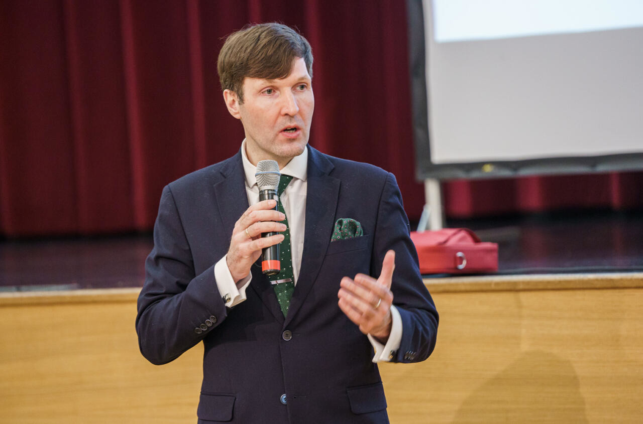 PUUST JA PUNASEKS: Martin Helme selgitab, milliseid ohte peidab endas riigi kavandatud superandmebaas ning kuidas asja parandada