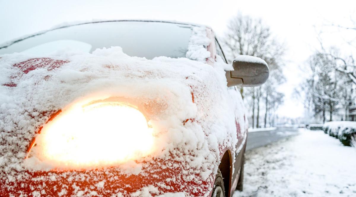 Soome saabub lumetorm, autodel soovitatakse uuesti talverehvid alla panna