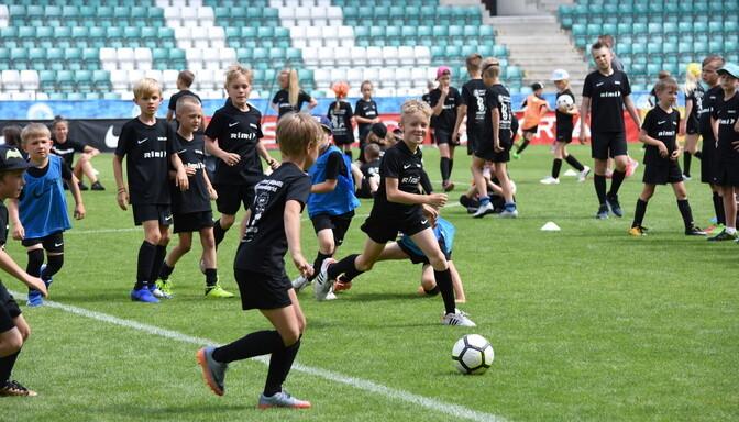 Algas registreerimine jalgpalli suvelaagritesse